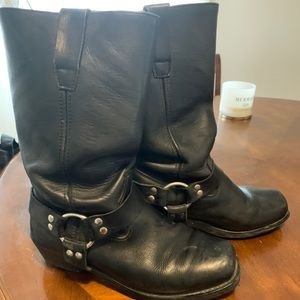 Leather boots men's size 8